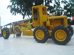 Motor grader scale model - Old projects